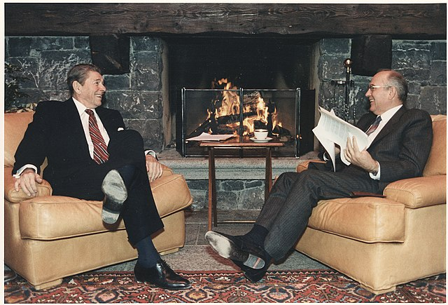 رونالد ريغان و ميخائيل غورباتشوف