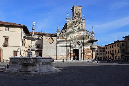 Piazza del Duomo, Prato 2.jpg