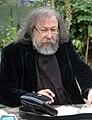 Pierre Dubois écrivant.jpg