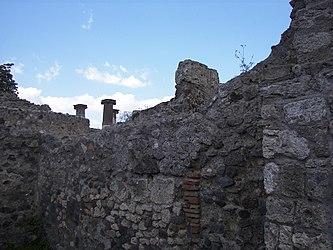 Pompeii Bakery VI.6.17 5.jpg