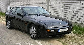 Porsche 944 - 1987–1988 Porsche 944S, with 16-valve engine