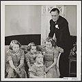 Prinsessen Beatrix, Margriet, Marijke (Christina), Irene met prins Bernhard, Bestanddeelnr 019-1068.jpg