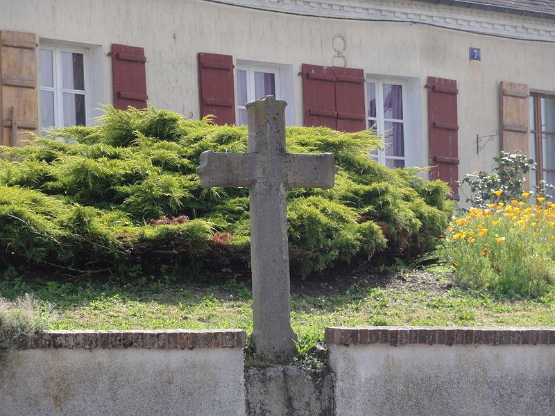 Proisy (Aisne) croix de chemin (pierre)