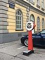 Public Scale Vienna Herbststraße Ecke Lerchenfelder Gürtel.jpg
