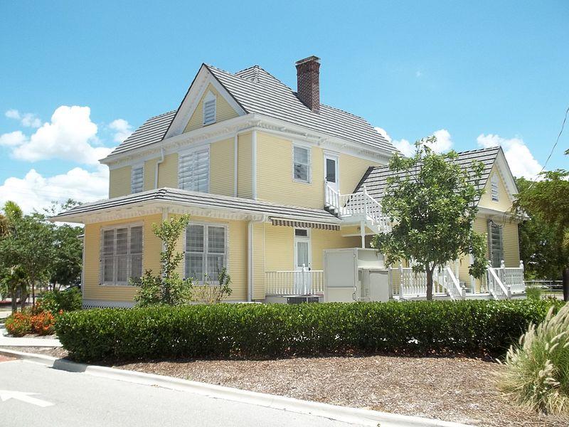 File:Punta Gorda FL Freeman House05.jpg
