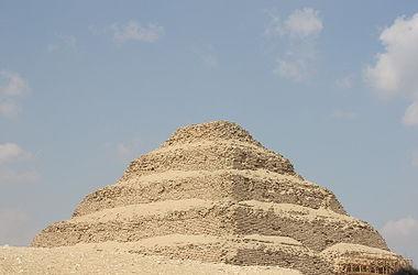 Pyramid of Djoser 2010 12.jpg