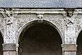 Quarième arcade de la galerie ouest du cloître de l'ancienne abbaye saint Melaine, Rennes, France.jpg
