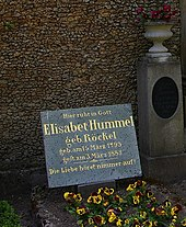 The grave of Elisabeth Hummel nee Röckel at Weimar's Historical Cemetery (Source: Wikimedia)