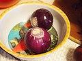 Red onions (5276825890).jpg