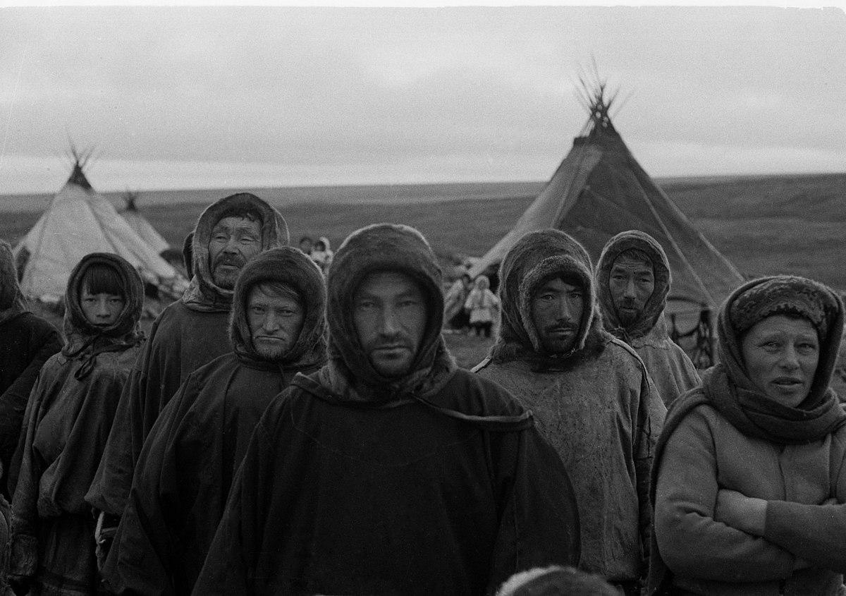 Pastores de renos en Yamal Siberia 1975jpg