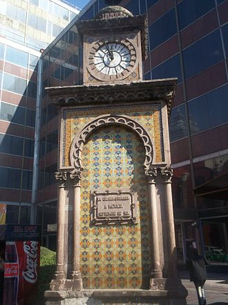 Arab Mexicans - Clock given in 1910 by the Ottoman Sultan Mehmed V to mark the centenary of the Mexican independence in Mexico City