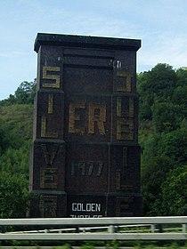 Remains of railway viaduct - geograph.org.uk - 514531.jpg