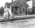 Residence at E Pine St southeast corner of 11th St, Seattle, Washington, October 16, 1909 (LEE 161).jpeg