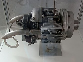 Flat engine - Riedel starter for German WWII jet engines, with pull-start handle and cable