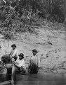 Rio Madidi, Bolivia. några cavinaindianer som medföljde exp. Nordenskiöld på Rio Madidi.Obs - SMVK - 005036.tif