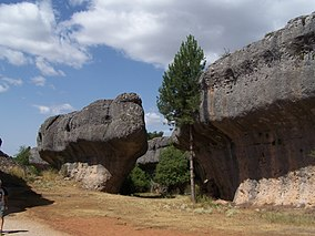 Rock walls in Ciudad Encantada.jpg