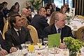 Rodrigo Rato, president de Caja Madrid, escoltant Artur Mas.jpg