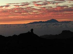 Roque Nublo al Atardecer.jpg
