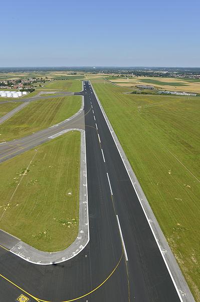 File:Runways Brussels Airport (7655183522).jpg