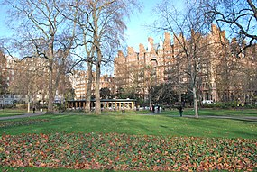 Russell Square with restaurant.JPG