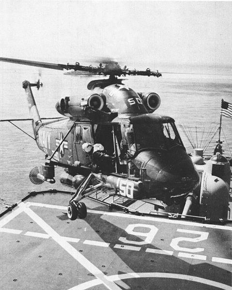 File:SH-2D landing on USS Belknap (DLG-26) c1973.jpg