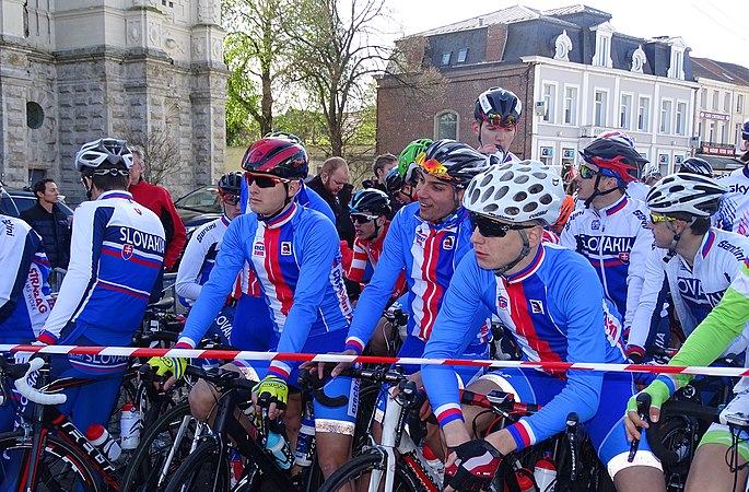 Saint-Amand-les-Eaux - Paris-Roubaix juniors, 10 avril 2016, départ (C15).JPG