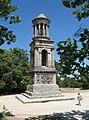 Saint Remy Mausoleum R01.jpg