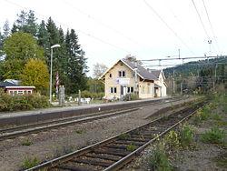 Sandermosen stasjon.jpg