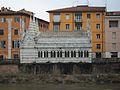 Santa Maria della Spina des de l'altre costat de riu, Pisa.JPG