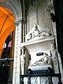 Sarthe Le Mans Cathedrale Saint-Julien Chapelle Des Fonts Tombeau Du Bellay 17052012 - panoramio.jpg
