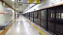 Seoul-metro-347-Daecheong-station-platform-20181123-154530.jpg