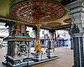 Singapore Tempel Sri Srinvasa Perumal Innen 6.jpg