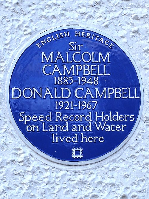 Sir malcolm campbell 1885 1948 donald campbell 1921 1967 speed record holders on land and water lived here