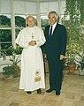 Sir Paul Reeves with Pope John Paul II.jpg