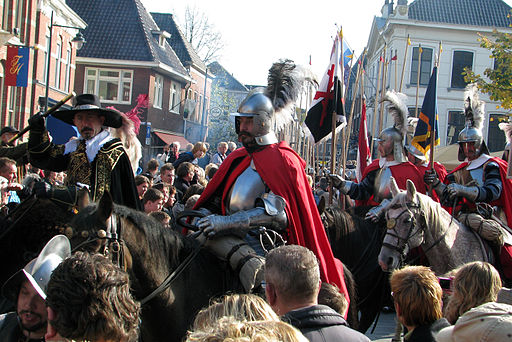 Slag om Grolle 2008-3 - Spaanse cavalerie rijdt door Groenlo naar het slagveld