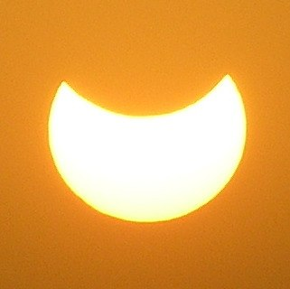 Solar Eclipse (3445953058) (cropped)