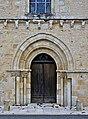 Sommières-du-Clain 86 Église portail 2014.jpg