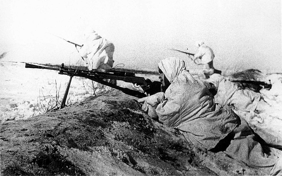 Soviet machinegunner opened covering fire