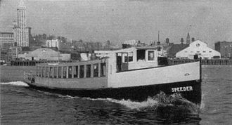 Speeder (motor vessel) - Speeder with modified cabin structure, 1942 or later.