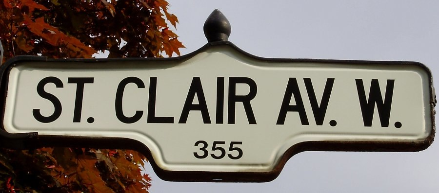 St. Clair Ave Sign