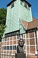 St. Petri und Pauli (Hamburg-Bergedorf).Turm.Hasse-Denkmal.27732.ajb.jpg