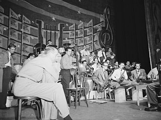 Shelly Manne - Stan Kenton, Eddie Safranski, Shelly Manne, Chico Alvarez, Ray Wetzel, Harry Betts, Bob Cooper, and Art Pepper, 1947 or 1948