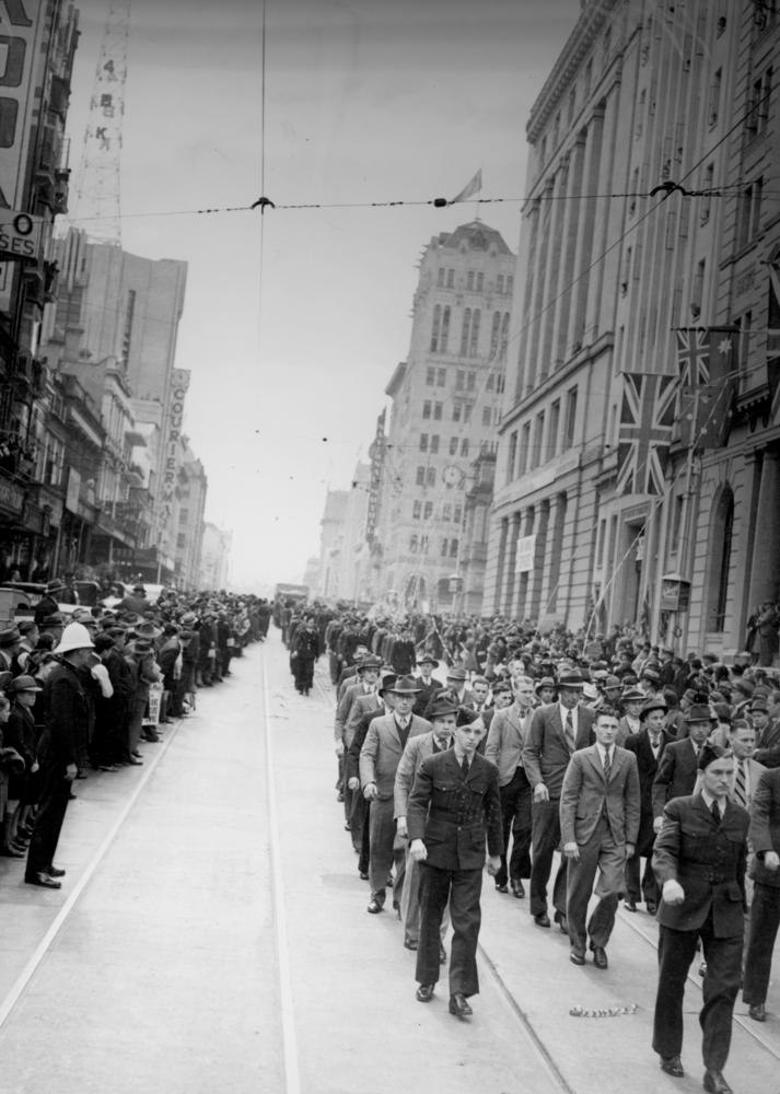 StateLibQld 1 126407 R.A.A.F. recruits marching along Queen Street, Brisbane, during World War II