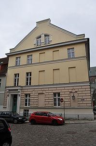 Stralsund, Fährstraße, Ecke Alter Markt 16 (2012-03-11), by Klugschnacker in Wikipedia.jpg