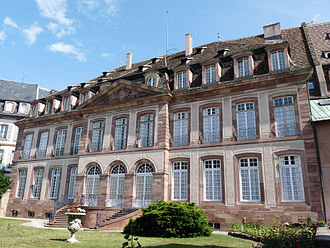 Episcopal Palace (Strasbourg) - Façade and garden on Rue Brûlée