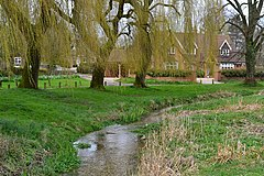 Stream on the green at Old Alresford (geograph 5726699).jpg