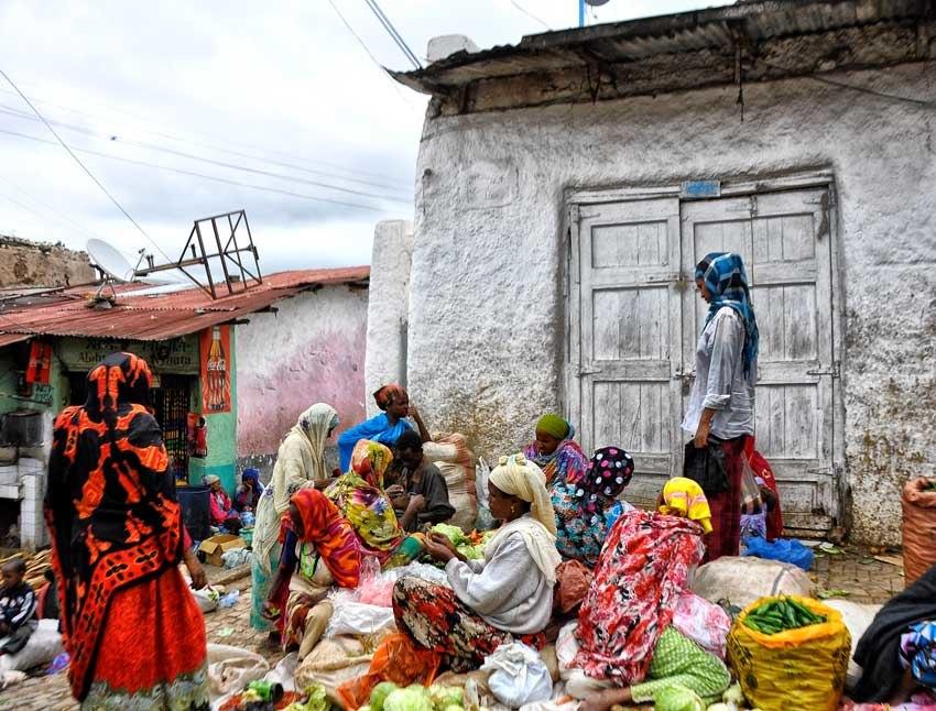 Street Market, Harar, Ethiopia (8112097174)