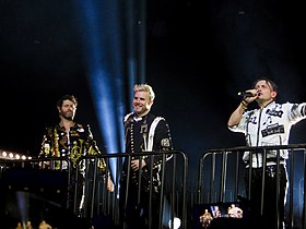 Take That performing in Glasgow, 2017.jpg