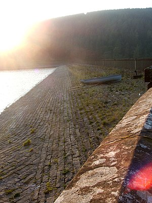 Talla Reservoir - The dam, 2006