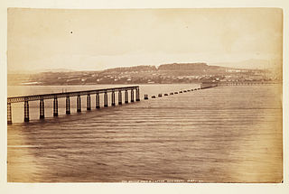 Photograph of wrecked piers after collapse of part of the first Tay Bridge.